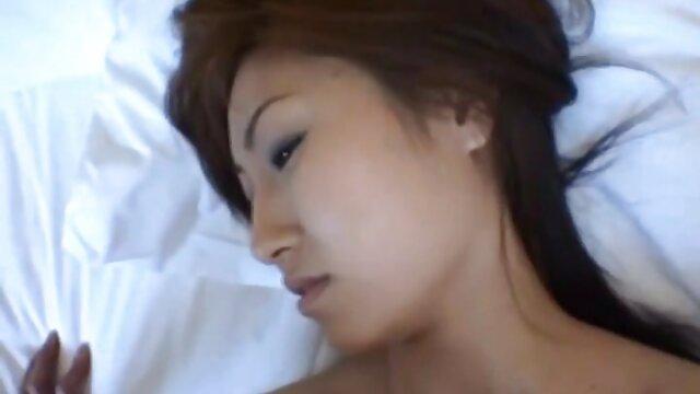 Chicas calientes Kristen Scott sexo por dinero latino y Jasmine Summers hacen tijera