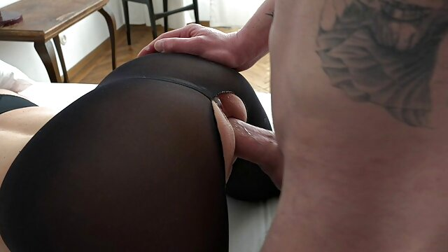 tina joven tiene sexo por dinero chang toma siendo perforada