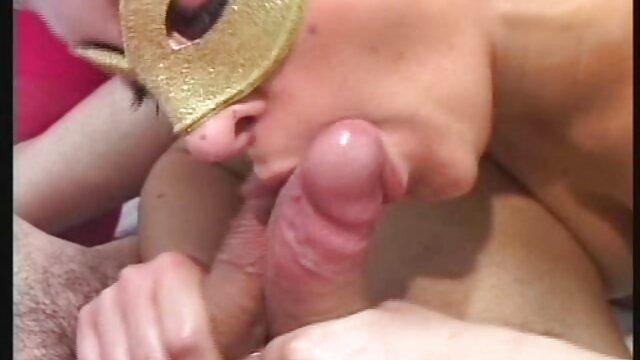 Laurianne toma sexo por dinero con mexicana anal