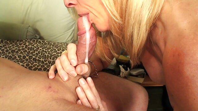 VirtualTaboo.com Hermana tetona xxx de dinero tiene sexo tabú con papá y hermano