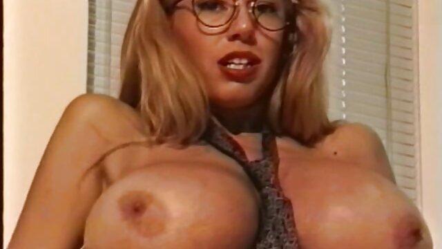 Nena sexo por dinero casa de empeño tetona con un bonito culo y un coño