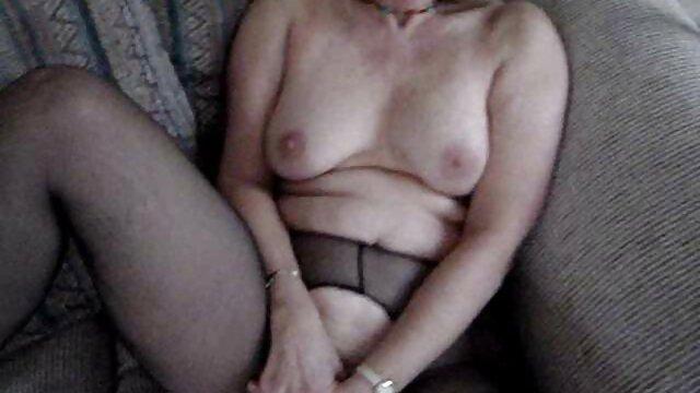 Cadence le muestra a Maddy cómo sexo por dinero en casa de empeño hacer squirt