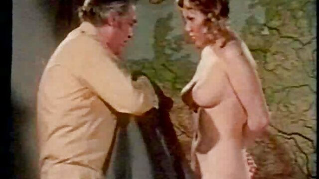 Mofos - Mofos World Wide - LeGall - sexo en vivo por dinero Bijoux de Francia