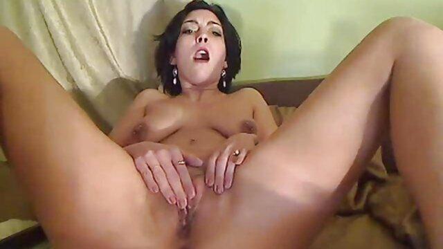 Juega con sus sexo por dinero casero bonitas suelas 5