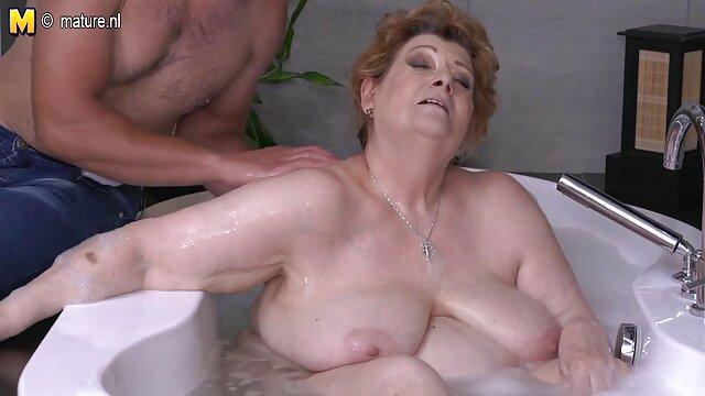 La señora Tera Bond primer anal por dinero esclava Athina