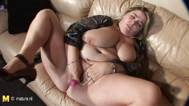 Bucles de busto grande # 4 sexo publico por dinero