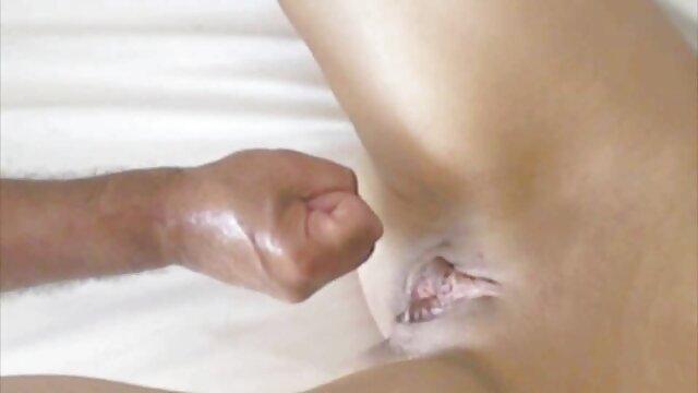 Sexy sexo por dinero en las calles mucama da mamada