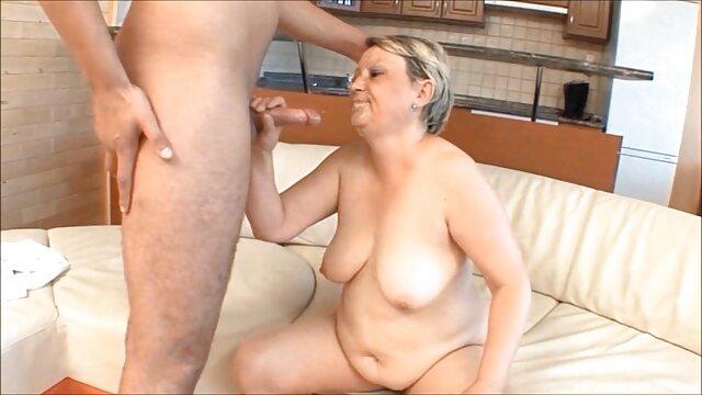 CastingCouch X La rubia Jasmine sexo por dinero en español Riley follada por un agente de casting