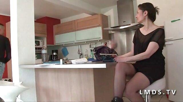 Bella Luna Lovely castigada adecuadamente con xxx por dinero una enorme polla