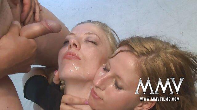 Jovencitas lesbianas sensuales. sexo por dinero 2019