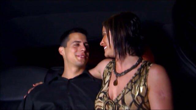 Jap MILF seduce y cockteases adolescente vecino xnxx dinero