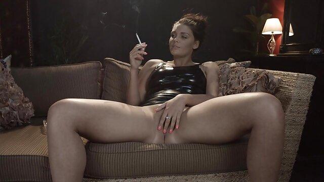 Bikini Esposa Modelo Vacaciones Sexy dinero por sexo en español Strip & Masaje Hotwife puta